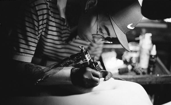 Sói Nguyễn dành đam mê lớn cho bộ môn xăm hình.