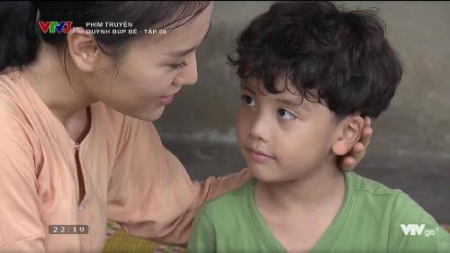 Kết phim Quỳnh sống hạnh phúc bên con trai bị khán giả đánh giá khiên cưỡng.