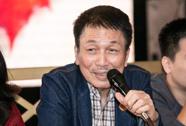 Nhạc sĩ Phú Quang tại buổi họp báo liveshow Trong miền ký ức.