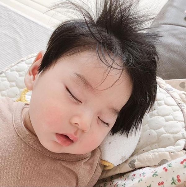 Cậu bé tóc chôm chôm Hàn Quốc nhìn là muốn nuôi vì quá kute - 6