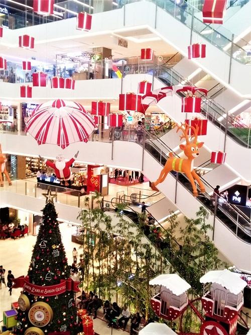 Khu vực trang trí hoành tráng và tràn ngập không khí Noel.