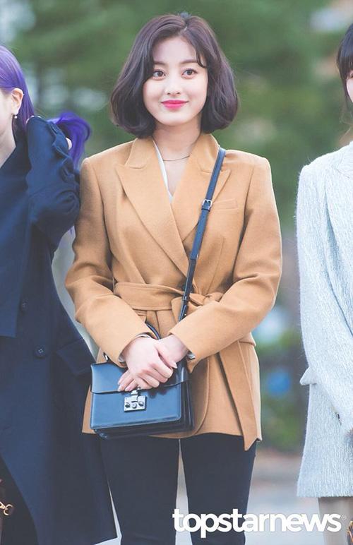 Mái tóc ngắn giúp Ji Hyo có thứ hạng cao trên bảng xếp hạng thương hiệu.