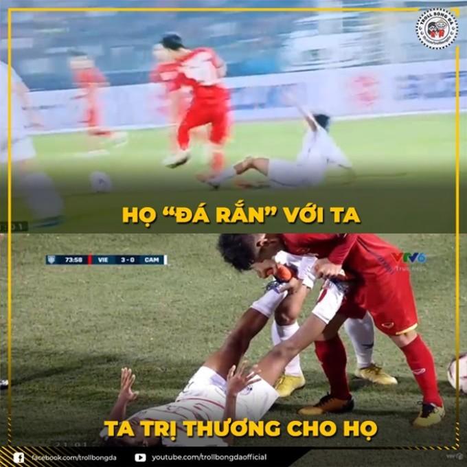 <p> Không chỉ thế, trước một Campuchia không ngại phạm lỗi, Quang Hải lại cho thấy hình ảnh đẹp khi giúp đỡ cầu thủ đối phương bị chuột rút.</p>