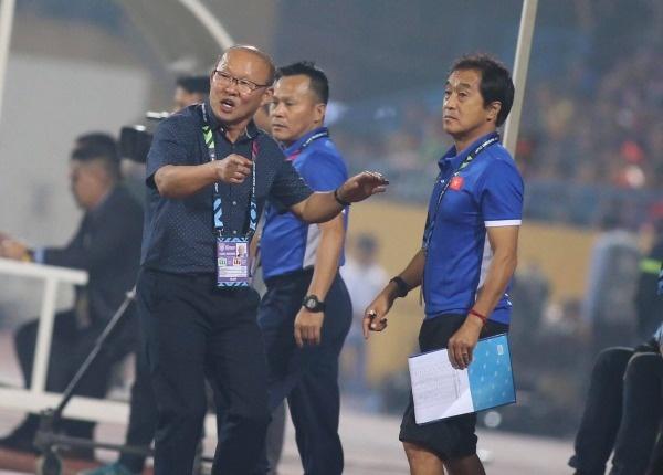Tâm trạng của HLV Park Hang-seo khi bàn thắng thứ 3 được ghi. Ảnh: Lâm Thỏa.