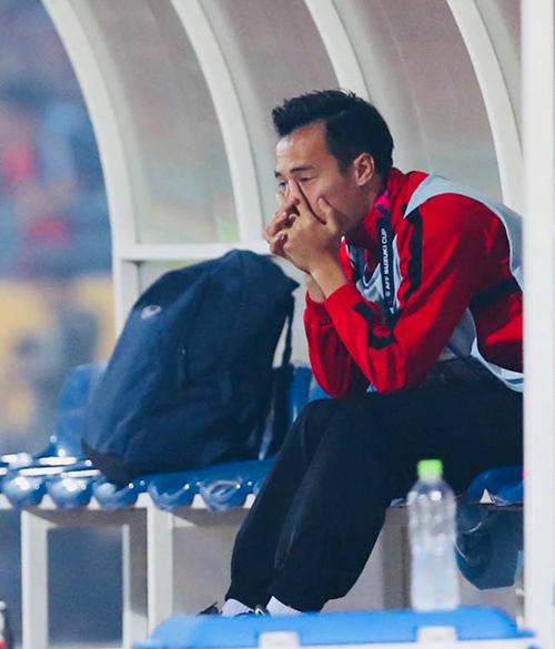 Văn Toàn khóc khi chứng kiến màn ăn mừng.