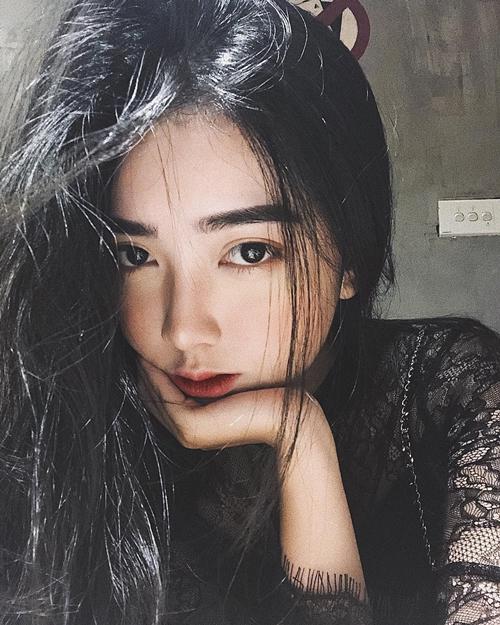 Bạn gái tin đồn của Đức Chinh có gương mặt hot girl, body nóng bỏng - 2