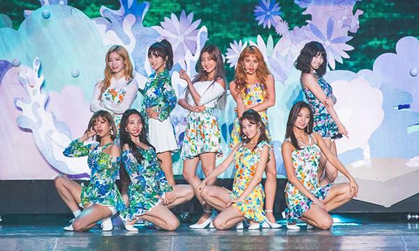 Twice liên tục tổ chức concert ở châu Á.