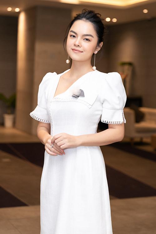 Phạm Quỳnh Anh xinh đẹp ra mắt MV mới sau ồn ào ly hôn - 1