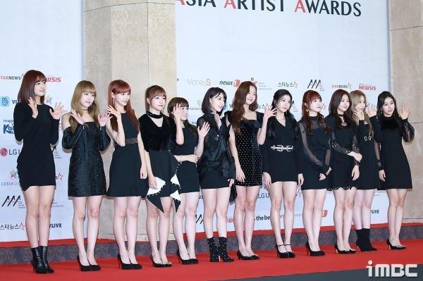 Nhóm nhạc tân binh đang nổi đình nổi đám thời gian gần đây, IZONE. Bước ra từ chương trình Produce 48, các cô gái IZONE đã có một màn debut được đánh giá là thành công.