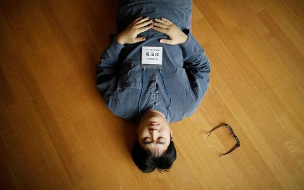 Người trẻ Hàn không ngại chi tiền để đến nhà tù giả. Ảnh: Reuters