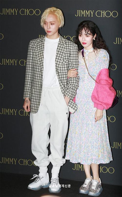 Hyun Ah hóa cô nàng e ấp khi lần đầu xuất hiện cùng bạn trai EDwan - 3