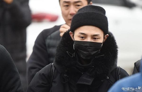 G-Dragon từng là tâm điểm ném đá của dân mạng trong mùa hè 2018.