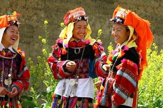 Trang phục truyền thống của các dân tộc Việt, bạn biết bao nhiêu? (2)