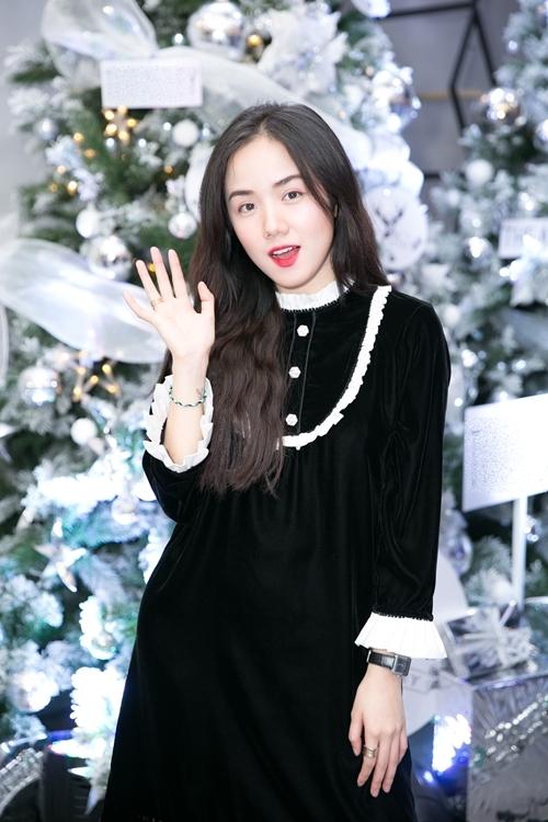 Hot girl Phương Ly.