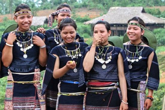 Trang phục truyền thống của các dân tộc Việt, bạn biết bao nhiêu? (2) - 1