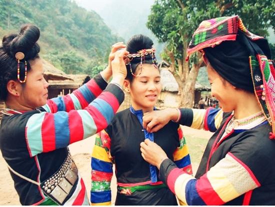 Trang phục truyền thống của các dân tộc Việt, bạn biết bao nhiêu? (2) - 2