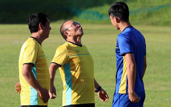 Loạt biểu cảm đáng yêu vô đối của ông chú Hàn Quốc trong buổi tập trận - 2