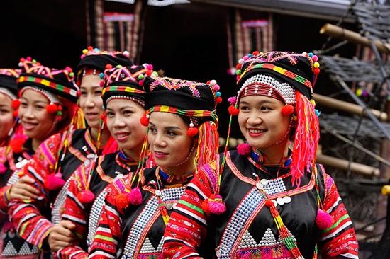 Trang phục truyền thống của các dân tộc Việt, bạn biết bao nhiêu? (2) - 4