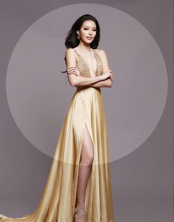 <p> Jehza Huelar - đại diện Philippines - diện đầm vàng xẻ sâu hút mắt. Cô được kỳ vọng mang về chiếc vương miện thứ hai cho đất nước Đông Nam Á sau thành tích lần đầu đăng quang của người đẹp Mutya Johanna Datul vào năm 2013.</p>