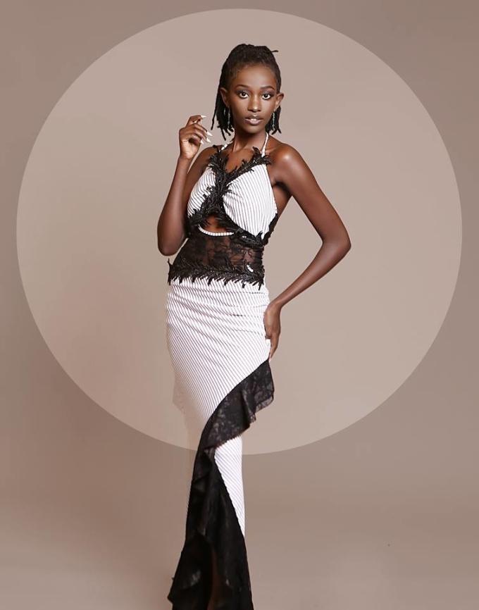 <p> Djazira Munyaneza - nhan sắc đến từ Rwanda là một trong số ít thí sinh châu Phi được đánh giá cao tại Hoa hậu Siêu quốc gia năm nay.</p> <p> Miss Supranational - Hoa hậu Siêu quốc gia lần đầu tiên được tổ chức vào năm 2009 tại thành phố Płock - Ba Lan. Đây là một trong 6 cuộc thi nhan sắc lớn nhất hành tinh bên cạnh Miss World, Miss Universe, Miss Earth, Miss International và Miss Grand International.</p> <p> Năm ngoái, Jenny Kim, đến từ Hàn Quốc, đăng quang ngôi vị hoa hậu. Cô sẽ trao lại vương miện cho người kế nhiệm vào ngày 7/12 tới.</p>