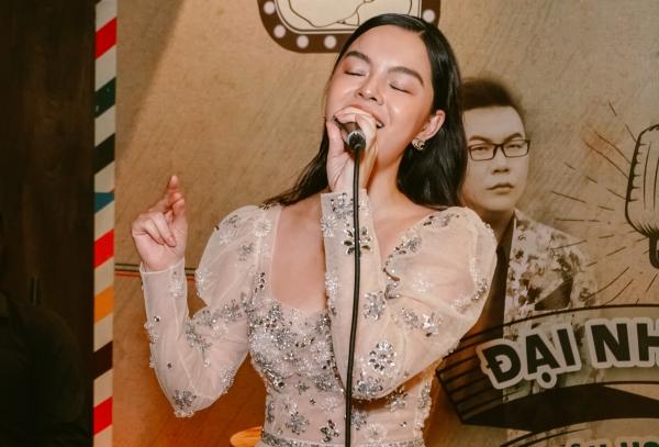 Phạm Quỳnh Anh hát Bụi bay vào mắt cảm xúc hơn sau 13 năm - 2