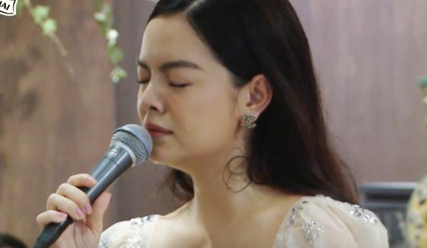 Phạm Quỳnh Anh hát Bụi bay vào mắt cảm xúc hơn sau 13 năm - 5