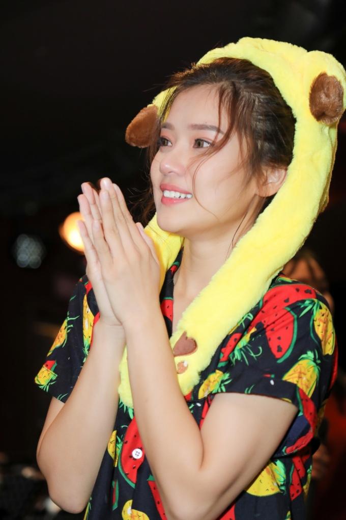 <p> Lời chia sẻ của Khổng Tú Quỳnh khiến Hoàng Yến Chibi phải bật khóc.</p>