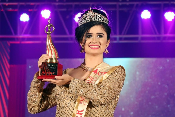 <p> Đại diện Bangladesh - Jannatul Ferdous Oishee - vừa tròn 18 tuổi. Chỉ cao 1,67m nhưng cô hiện là người mẫu đắt giá tại quê nhà.</p>