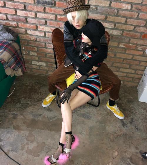 Loạt ảnh ôm ấp giữa phố của Hyun Ah - EDawn gây tranh cãi vì quá phản cảm