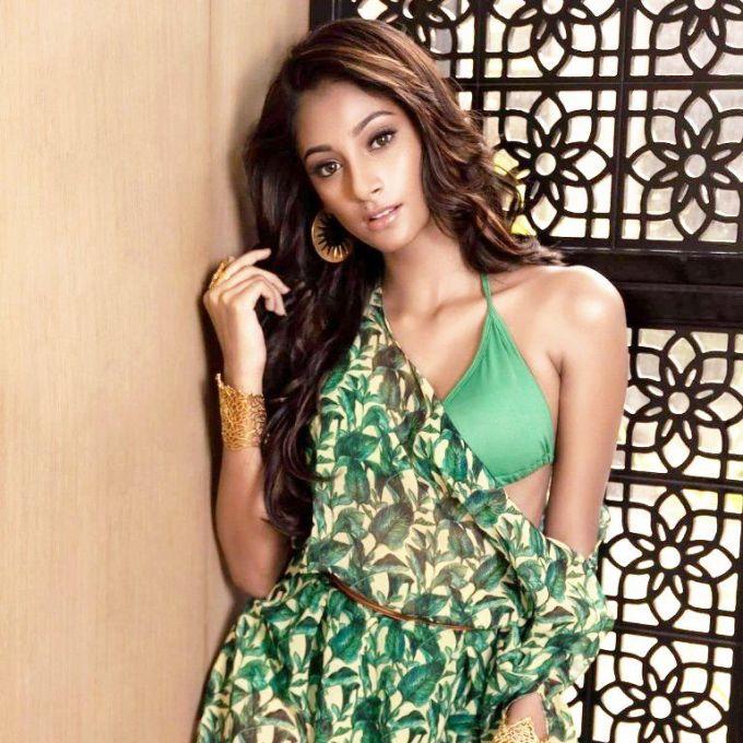 <p> Anukreethy Vas - đại diện Ấn Độ - vừa tròn 19 tuổi. Cô cao 1,68m. Hiện, người đẹp sinh năm 1999 là một vận động viên kiêm vũ công tài năng ở quê nhà.</p>