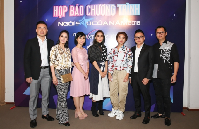 """<p> """"Ngôi sao của năm"""" là giải thưởng được khởi xướng bởi báo Ngoisao.net từ 2012. Sau 2 năm gián đoạn để tìm kiếm ý tưởng, định vị lại thương hiệu, giải thưởng này trở lại trong năm 2018. Năm nay chương trình lấy chủ đề 'Women like you', tôn vinh những sao nữ trẻ.</p>"""