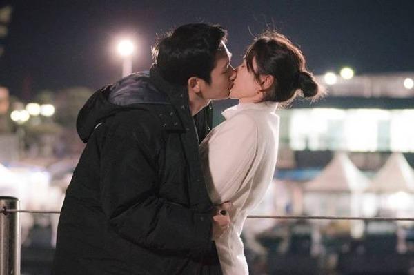 3 cặp đôi tình chị em đình đám trong drama Hàn Quốc năm nay