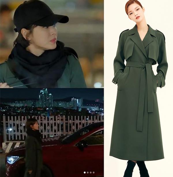 Một điều đặc biệt là vì có thân hình khá nhỏ bé, Song Hye Kyo thường xuyên phải dùng chiêu cắt ngắn để mặc vừa các thiết kế này. Chiếc áo khoác Avouavou giá gần 30 triệu đồng cũng được người đẹp cắt bớt để vừa vặn thân hình hơn.