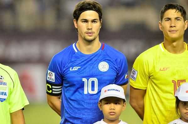 So với anh trai, cậu em thủ quân của tuyển Philippines có phần nổi bật hơn. Phil vừa vinh dự lọt vào danh sách những cầu thủ hiếm hoi có trên 50 bàn thắng cho ĐTQG. Anh chàng đã vượt qua cựu tiền đạo tuyển Việt Nam Lê Công Vinh để xếp vị trí thứ 4.