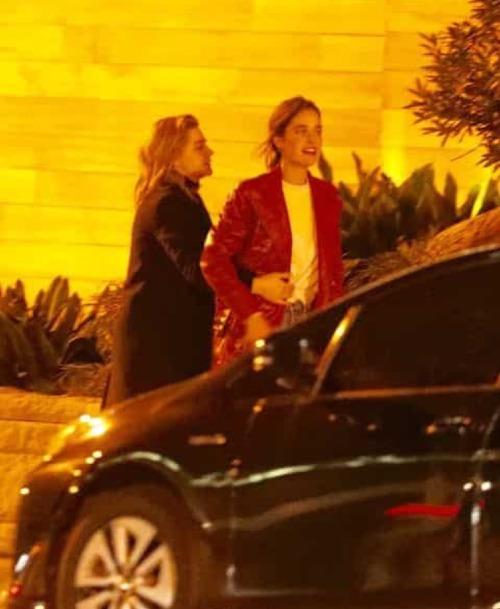 Bạn gái cũ Brooklyn Beckham bị bắt gặp hôn chân dài nóng bỏng