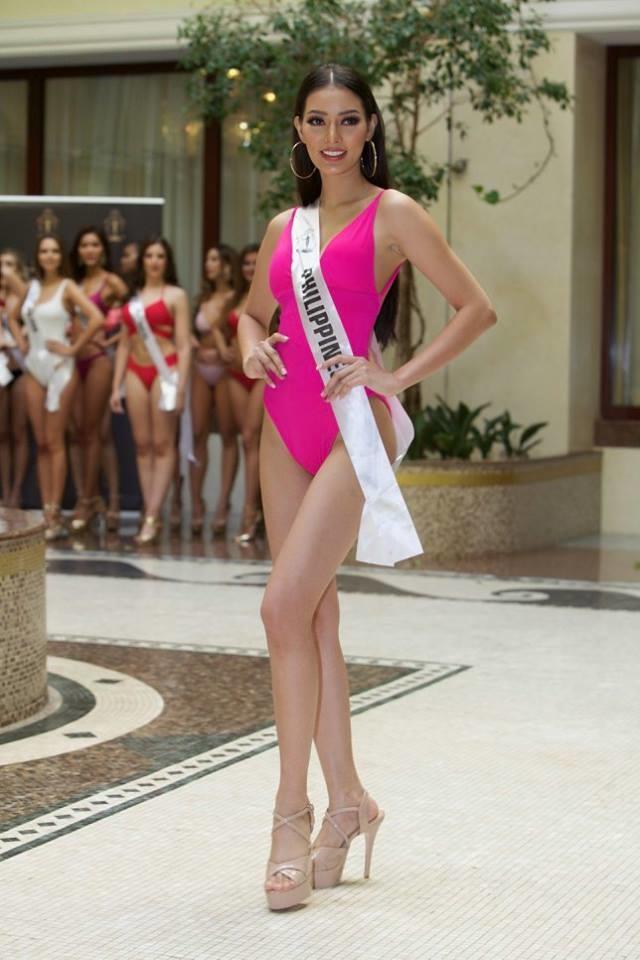"""<p> Đại diện Philippines - Jehza Mae Huelar - được Global Beauties dự đoán giành ngôi vị Á hậu 1. Không gây được nhiều ấn tượng ở thời điểm đầu dự thi song càng về sau, nhan sắc Philippines càng tiến bộ và được xếp vào nhóm thí sinh mạnh của cuộc thi. Nhan sắc 23 tuổi được nhận xét có gương mặt của một """"beauty queen"""" song sự rụt rè trong giao tiếp chính là yếu điểm của cô gái này.</p>"""