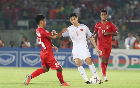 Các cầu thủ Việt Nam tại AFF Cup 2018 mặc áo số mấy? - 1