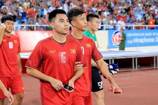 Các cầu thủ Việt Nam tại AFF Cup 2018 mặc áo số mấy? - 6