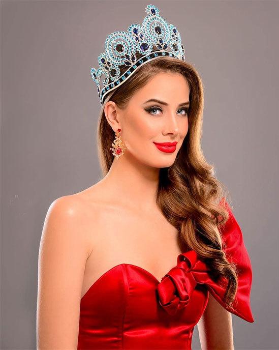 <p> Hoa hậu Chile - Anahi Hormazabal - 20 tuổi, cao 1,75 m. Cô hiện là sinh viên chuyên ngành Thương mại. Tại Miss World, cô chiến thắng vòng thi Head to Head ở nhóm 4, vào top 32 Top Model và top 12 Hoa hậu Nhân ái.</p>