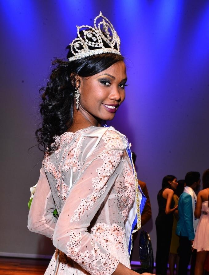 """<p> Hoa hậu Mauritius - Murielle Ravina - vào top 30 sau khi trở thành 10 cô gái xuất sắc nhất """"Thử thách đối đầu"""". Cô gái 23 tuổi hiện là cử nhân Khoa học Chính trị.</p>"""