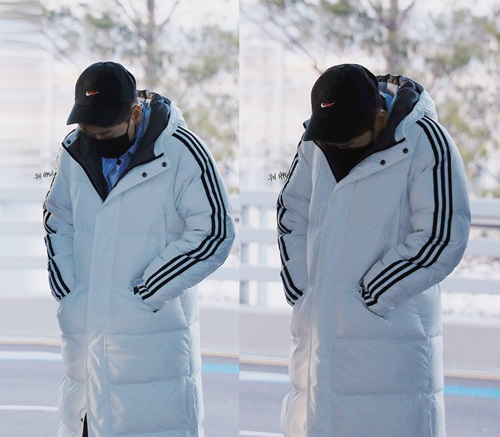 Eun Hyuk giống như một quả cầu tuyết khi mặc áo phao trắng. Đây là item luôn đắt hàng khi vào mùa đông.
