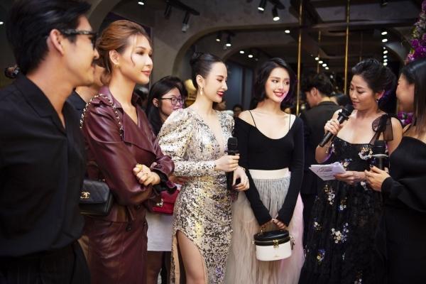 Phương Trinh nổi bật giữa dàn khách mời tại sự kiện.