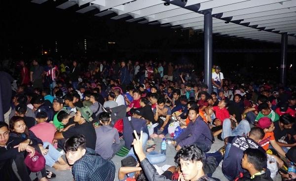 CĐV Malaysia xuyên đêm chờ mua vé xem chung kết AFF Cup