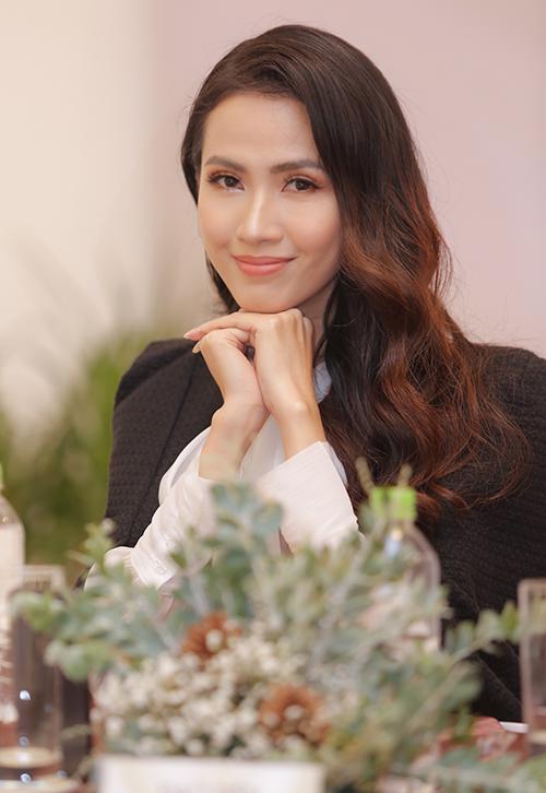 Hoa hậu Phan Thị Mơ xuống sắc vì sụt ký không phanh - 1