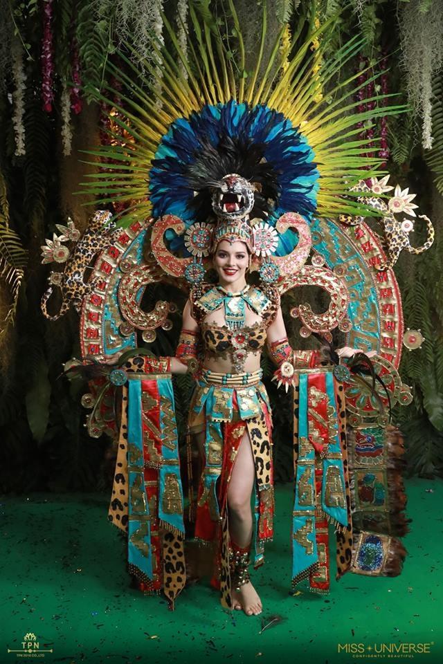 <p> Hoa hậu Mexico nhận được nhiều lời khen ngợi với thiết kế quốc phục gây ấn tượng mạnh về thị giác, mọi chi tiết trang trí đều rất công phu, tỉ mỉ mang cảm hứng rừng nhiệt đới.</p>