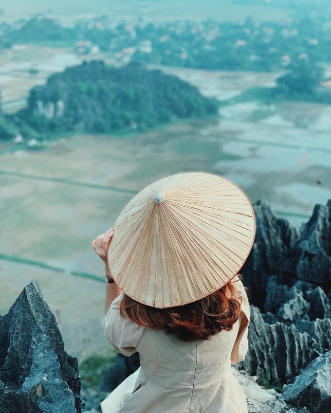 """<p> Thời điểm thích hợp để chinh phục """"Vạn Lý Trường Thành phiên bản Việt"""" là buổi chiều, khi thời tiết mát mẻ, dễ chịu. Bạn có thể """"săn"""" hoàng hôn trên đỉnh núi Múa để """"vỡ òa"""" trước sự tuyệt diệu của thiên nhiên.</p>"""