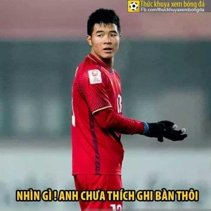 """<p> Tuy nhiên ở phút thứ 53, Tiến Linh đã vào thay Đức Chinh. Anh chàng xứng đáng là """"người anh em tốt"""" của Công Phượng khi đã lừa 90 triệu dân.</p>"""