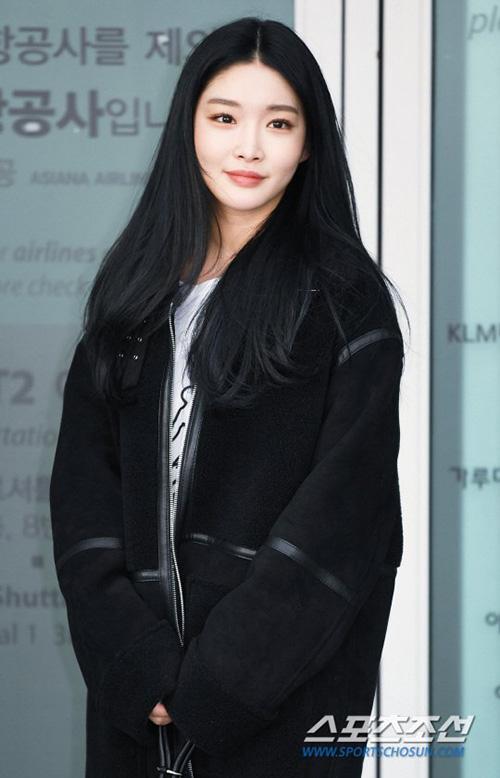 Chung Ha là thành viên thành công nhất của I.O.I, hoạt động solo nhưng liên tiếp có ca khúc hit.