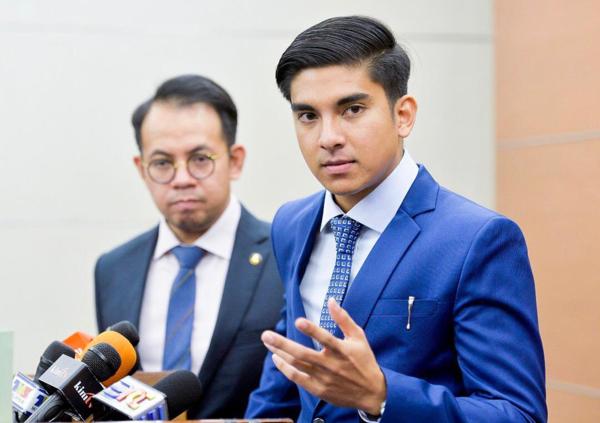 Bộ trưởng Syed Saddiq 26 tuổi với phong thái đĩnh đạc khi tham gia chính trường.