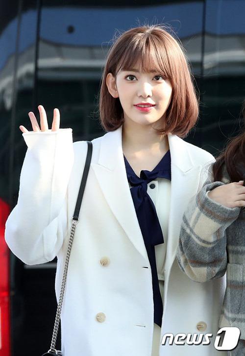 Nhóm IZONE có lịch trình vất vả khi vừa về Hàn đã ngay lập tức lên đường. Sakura